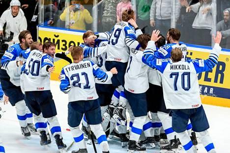 Kaksi vuotta sitten Bratislavassa kisat päättyivät suomalaisjuhliin.