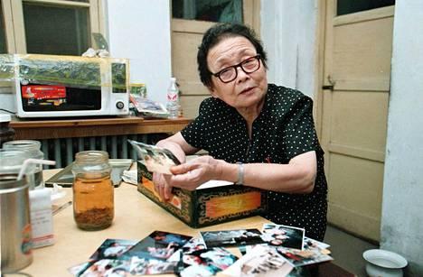 Gao Yaojie kotonaan Henanin maakunnan pääkaupungissa Zhengzhoussa vuonna 2001.