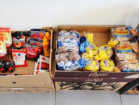 Kaupasta löytyy suomalaisille tuttuja elintarvikkeita.