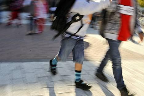 Suomalaiset kärsivät oppimistuloksiin vaikuttavasta univajeesta useammin kuin koululaiset muissa maissa keskimäärin.