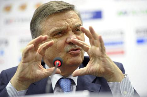 Kansainvälisen jääkiekkoliiton puheenjohtaja Rene Fasel haluaa, että MM-kisat pelataan Minskissä.