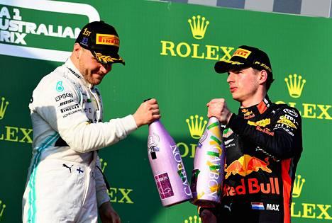 Max Verstappen (oik.) on jäänyt kauas Valtteri Bottaksesta tämän kauden MM-sarjassa.