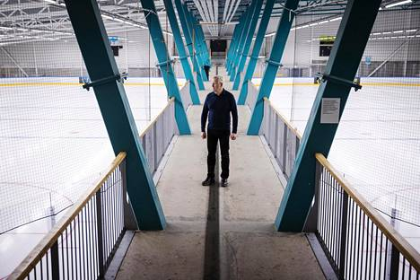 Both ice rinks in Espoo's Leppävaara Warrior Arena are empty due to corona restrictions.