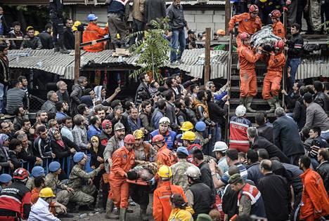 Soman hiilikaivoksesta saatiin kaivosyhtiön mukaan pelastettua lähes 450 kaivosmiestä.