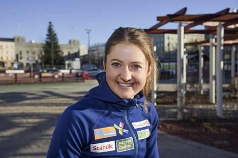 Ingvild Flugstad Østberg hymyili viime talvena Lahden maailmancupissa, mutta sen jälkeen hänen kilpailukautensa päättyi rasitusmurtuman takia.