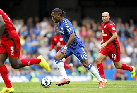 Didier Drogba pääsi jälleen pallokosketuksiin Stamford Bridgella.