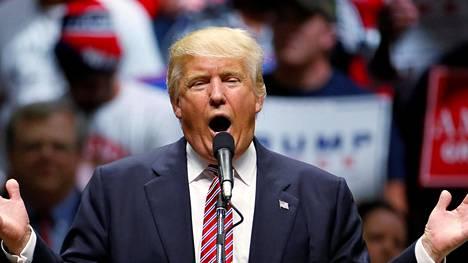 Republikaanien presidenttiehdokas syytti tiistaina vaalitilaisuudessaan Austinissa kilpailijaansa Hillary Clintonia korruptiosta.