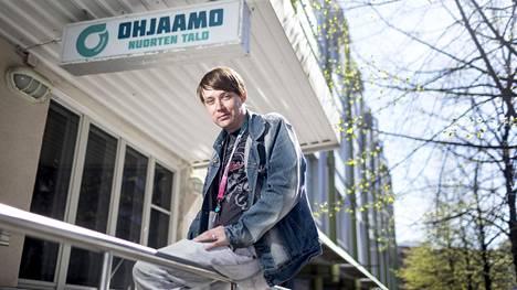 Ville Venesmäen mukaan ratkaisevia olivat ensimmäiset merkityksellisyyden tunteet siitä, että hänelläkin on paikka yhteiskunnassa. Hän työskentelee tällä hetkellä palkkatuella Tampereen Ohjaamolla auttamassa nuoria.