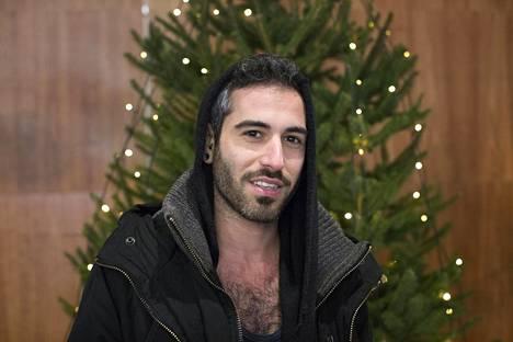 """Raphael Atzmon, Turku: """"Se on hyvin tärkeää, lumi tekee joulusta paljon taianomaisemman. Se tuo lapsen esiin jokaisessa meistä."""""""