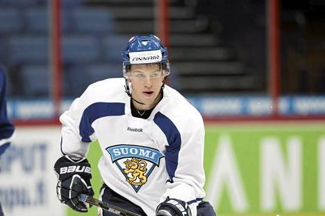 Jonas Enlund on pelannut A-maajoukkueessa yhdeksän ottelua.