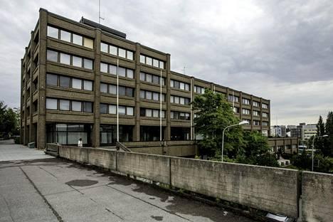 Espoon tuleva kaupunginvaltuusto saanee eteensä päätöksen myös huonokuntoisen kaupungintalon kohtalosta.