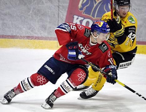 Anton Lundell pelasi Saipaa ja Robin Saloa vastaan viime viikolla.