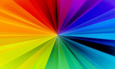 Havaitsemme eri aallonpituuksissa eri värejä. Lyhyimmät ihmissilmän näkemät aallonpituudet havaitsemme violettina, ja pidemmät siitä eteenpäin asteittain sinisenä, vihreänä, keltaisena, oranssina ja punaisena.