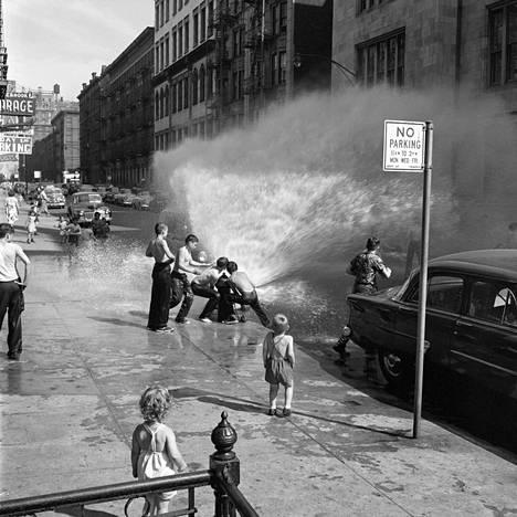 Vivian Maier, kesäkuu 1954, New York.