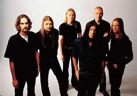 Amorphis vuonna 2001.