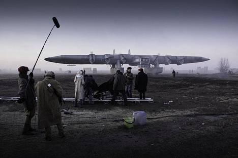 DAU:n yhtä kohtausta varten Harkovaan rakennettiin kopio 1930-luvun neuvostoliittolaisesta jättilentokoneesta. Kuva vuodelta 2008.