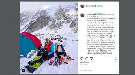 Lotta Hintsa teki Instagram-päivityksen kiipeilymatkan tauolla tammikuussa.