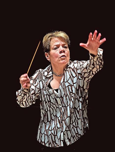 Kapellimestari Marin Alsop tasa-arvoistaa jälleen kapellimestarinkoroketta: hän on São Paulon sinfoniaorkesterin uusi ylikapellimestari.