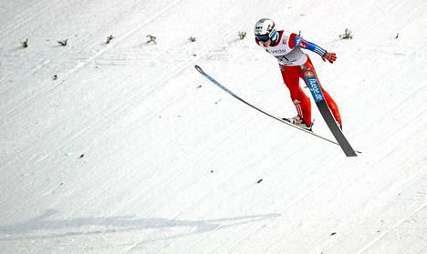 Anders Fannemel hyppäsi maailmanennätykseksi 251,5 metriä.