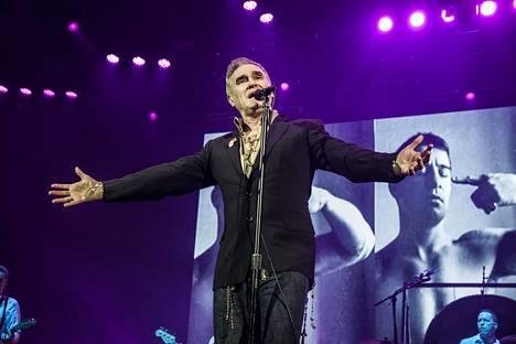 Brittimuusikko Morrissey suuttui Simpsoneiden jaksosta. Kuvassa Morrissey Flow-festivaalilla vuonna 2016.