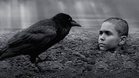 The Painted Bird -elokuvan kohtauksessa Petr Kotlár.