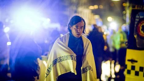 Ravintoloitsija Nikolajn (Peter Christoffersen) elämä menee uusiksi terrori-iskun jälkeen.