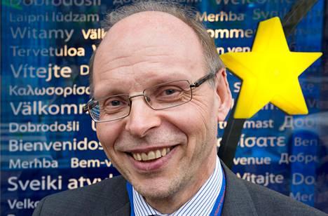 EU-kääntäjien kielikoordinaattori Erkka Vuorinen kävi keskiviikkona Helsingissä puhumassa EU-suomen 20-vuotisjuhlaseminaarissa, joka pidettiin Eurooppasalissa.