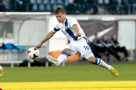 Robin Lod viimeisteli Suomen 1–0-maalin Walesia vastaan.