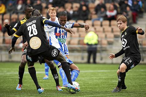 HJK:n Macoumba Kandji iski HJK:n ensimmäisen maalin.
