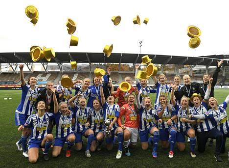 HJK:n naiset juhlivat sunnuntaina jo aiemmin varmistamaansa Suomen mestaruutta. Edellisen kerran joukkue oli voittanut kultaa 14 vuotta sitten.