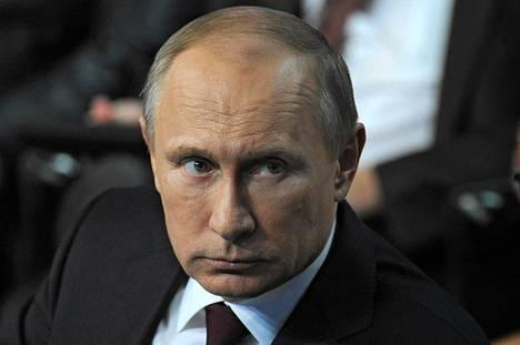 Venäjän presidentti Vladimir Putin kuvattuna keskiviikkona Pietarissa.