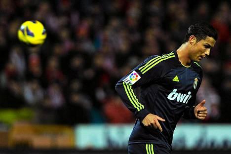 Cristiano Ronaldolla ei mennyt putkeen Real Madridin vierasottelussa Granadaa vastaan.