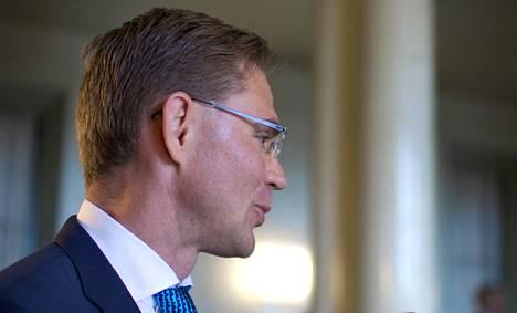 Jyrki Kataisen (kok) mielestä eduskunta käy kilpalaulantaa siitä, kuka on kaikkein kielteisin.