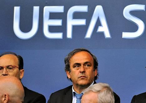 Michel Platinin johtama Uefa ei näillä näkymin aio rangaista Venäjän jalkapalloliittoa.
