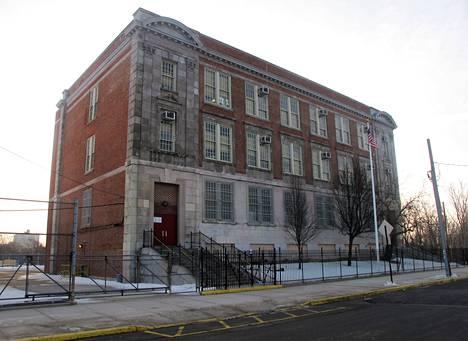 Public School 160:ssä katsottiin joka päivä elokuvia. New York Post paljasti opetuksen laiminlyönnit.