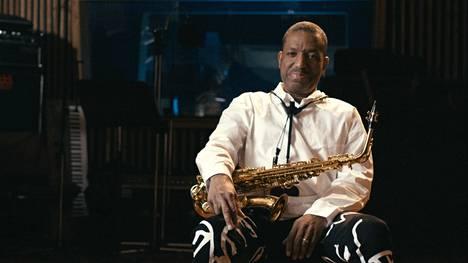Naapuri, jazz-muusikko Donald Harrison, koetti pitää Christopher Wallacen poissa kaduilta.