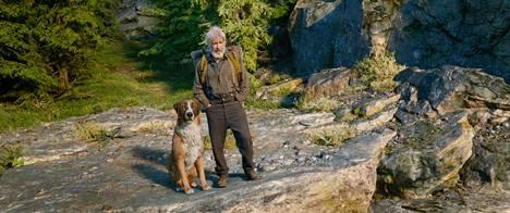 Harrison Ford on erakoksi haluava mies, joka saa ystävän kaltoin kohdellusta Buck-koirasta.