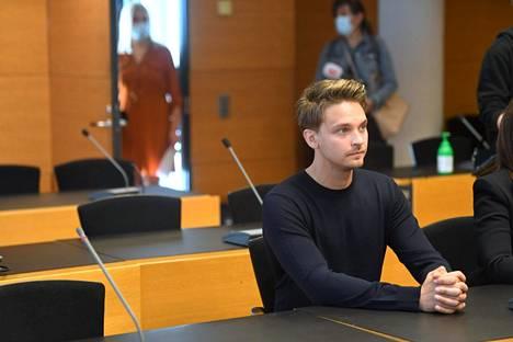 Juontaja Roope Salmisen seksuaalirikossyytettä käsiteltiin Helsingin käräjäoikeudessa 20. elokuuta.