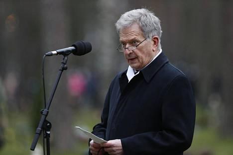 Presidentti Sauli Niinistö puhui Mannerheim-ristin ritari Tuomas Gerdtin hautajaisissa Lepolan hautausmaalla Lappeenrannassa.