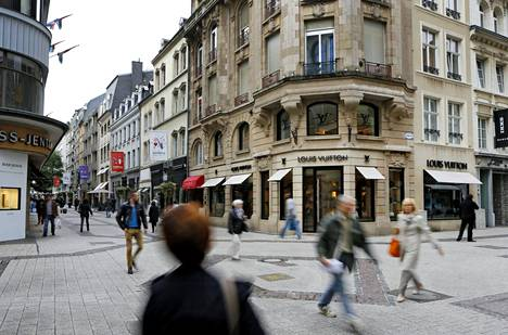 Luxemburgin Grand Rue on arvokas ostoskatu. Kuva vuodelta 2013.