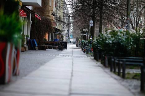 Berliinin Friedrichshain on normaalisti eloisa kaupunginosa. Vuosi sitten maaliskuussa se autioitui kertaheitolla.