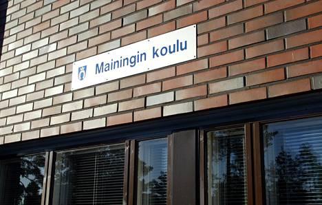 Espoon käräjäoikeuden mukaan rasistinen pahoinpitely tapahtui Mainingin koulun edustalla Espoossa.