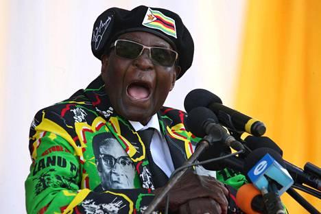 Robert Mugabe puhui Zimbabwessa marraskuun alussa 2017, kun hän vielä oli Zimbabwen presidentti.