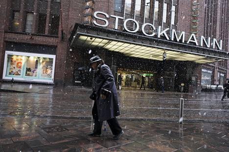 Stockmannin Helsingin keskustan tavaratalon edusta oli viime perjantaina hiljainen.