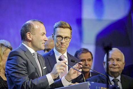Saksalainen Mandfred Weber voitti Alexander Stubbin EPP-puolueryhmän äänestyksessä viime vuoden marraskuussa Helsingissä. EPP nousi suurimmaksi ryhmäksi eurovaaleissa, mutta Weberiä ei kuitenkaan nimitetty EU-komission puheenjohtajan tehtävään.