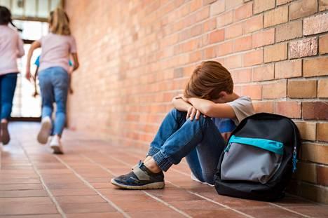 Lapsellani on kiusaamisen seurauksena surua, ahdistusta ja masennusta, lukija kertoo.