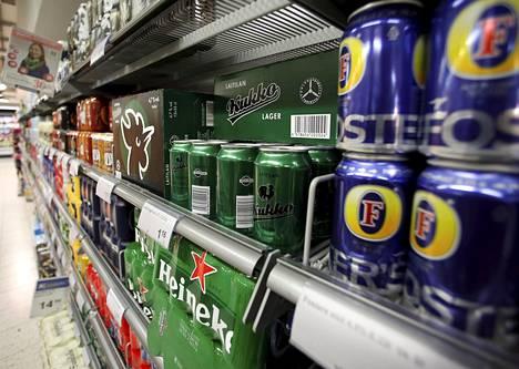 Keskiolut on edelleen kaupoissa myydyistä alkoholijuomista ylivoimaisesti suosituin tuote. PTY:n mukaan lähes 90 prosenttia päivittäistavarakaupassa myydystä oluesta on keskiolutta tai sitä miedompaa.
