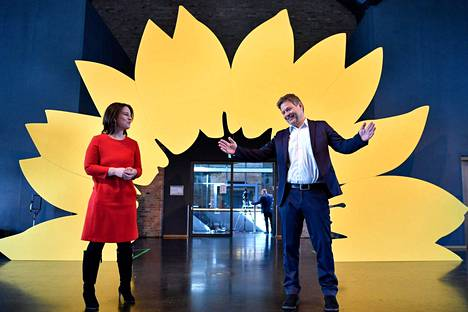 German Green presidents Annalena Baerbock and Robert Habeck presented the party's election program in Berlin on 19 March.