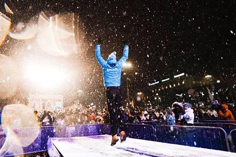 Iivo Niskasen kultamitaliseremoniassa riitti tunnelmaa Lahden MM-kisoissa.