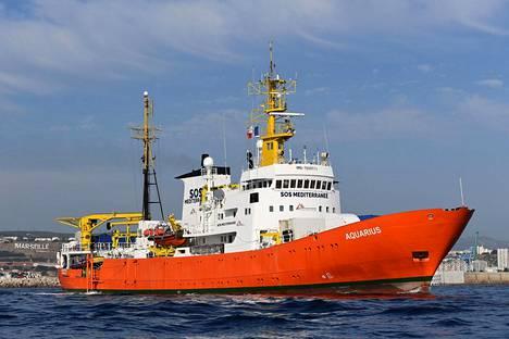 Siirtolaisia Libyan rannikolta pelastaneen Aquarius-laivan toiminta Välimerellä päättyy. Kuvassa laiva on lähdössä Marseillen satamasta elokuun ensimmäisenä päivänä tänä vuonna.